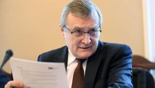 Wicepremier, minister kultury i dziedzictwa narodowego Piotr Gliński podczas posiedzenia sejmowej Komisji kultury i środków przekazu