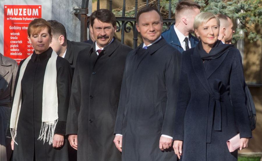 Prezydent Węgier Janos Ader z małżonką Anitą Herczegh oraz prezydent RP Andrzej Duda z małżonką Agatą Kornhauser-Dudą