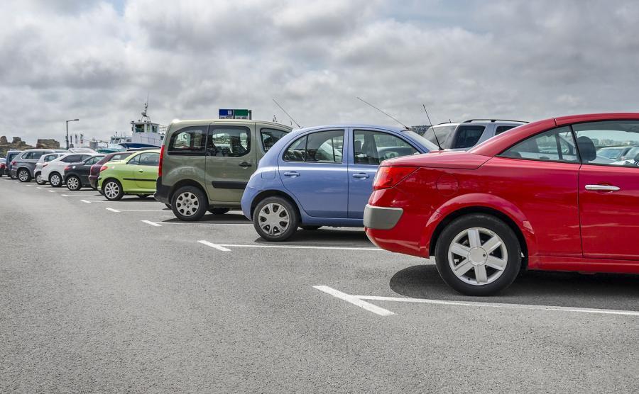 Auta na parkingu