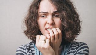 Zdenerwowana kobieta