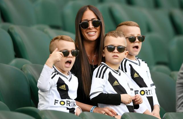 Piękna żona Miroslava Radovica częstym gościem na trybunach stadionu Legii