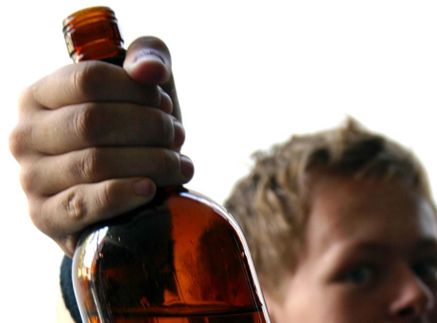 Alkohol nadal popularny wśród uczniów