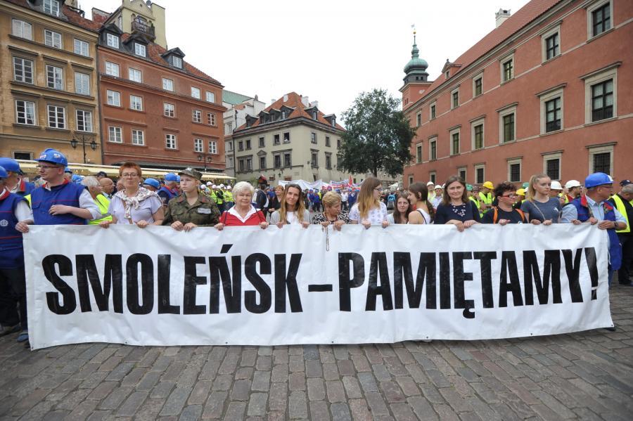 Uczestnicy Marszu Pamięci, który wyruszy sprzed archikatedry św. Jana Chrzciciela