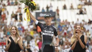 Maciej Bodnar na podium 20. etapu Tour de France