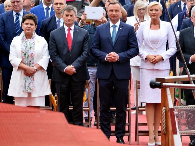 Beata Szydło i Marek Kuchciński oraz Andrzej Duda i Agata Kornhauser-Duda