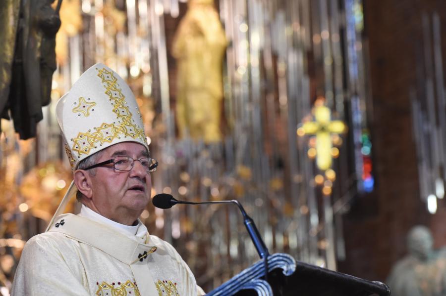 Arcybiskup metropolita gdański Sławoj Leszek Głódź podczas uroczystej mszy św. w bazylice p.w. św. Brygidy