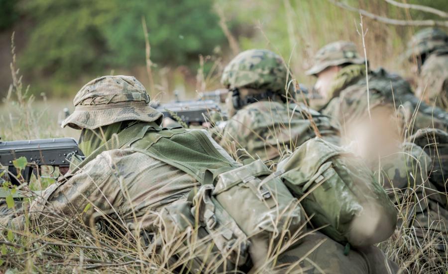 Żołnierze na manewrach
