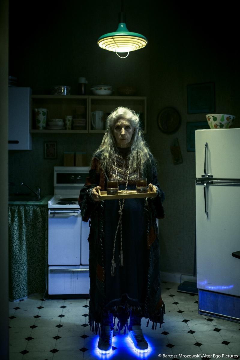 """Helena Norowicz w filmie """"Człowiek z magicznym pudełkiem""""; fot. Bartosz Mrozowski/Alter Ego Pictures"""