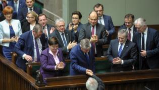 Premier Beata Szydło, Krzysztof Jurgiel i ministrowie rządu PiS w Sejmie