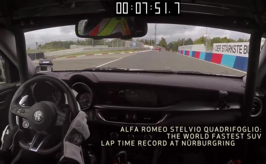 Fabio Francia za kierownicą Alfy Stelvio Quadrifoglio
