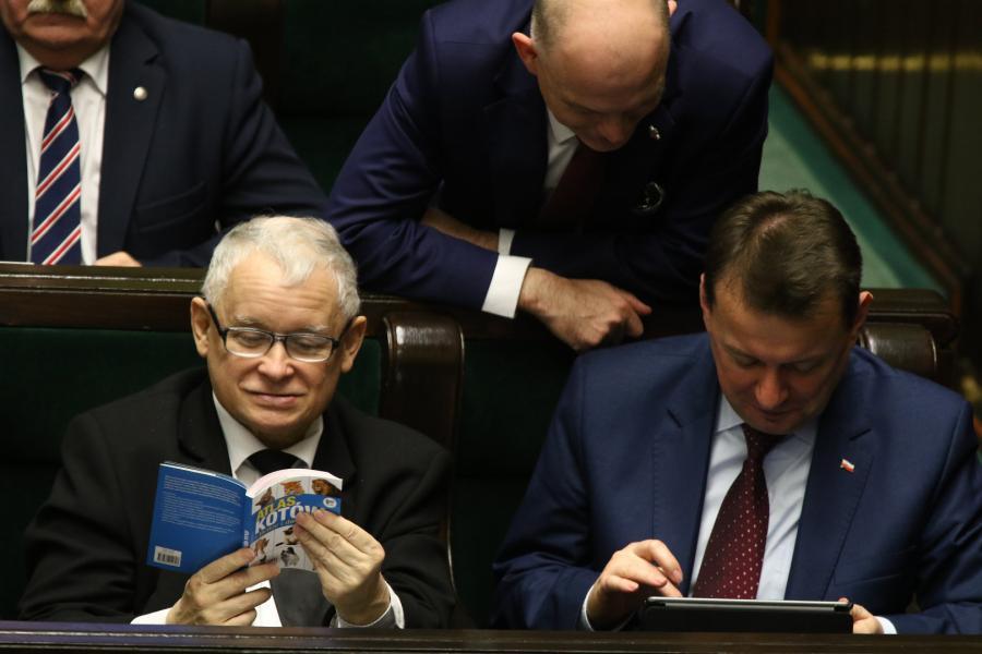 Kaczyński z Atlasem kotów
