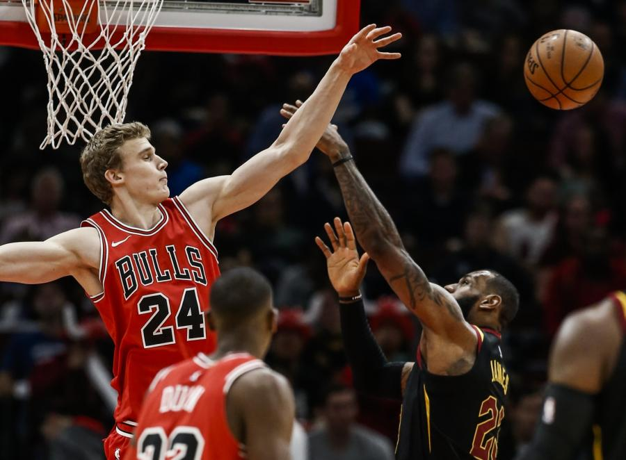 Lauri Markkanen i LeBron James