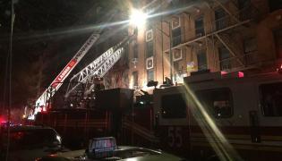 Straż Pożarna na miejscu pożaru w okręgu Bronx