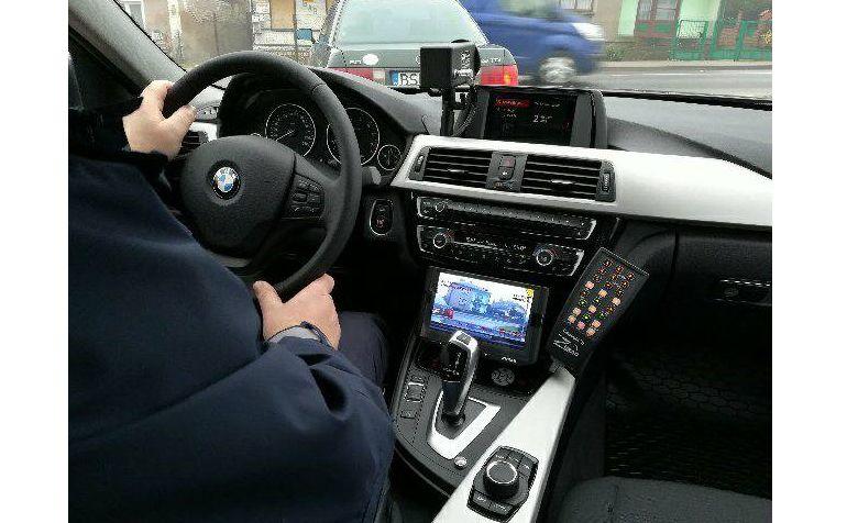 Policja odbiera pierwsze sztuki nowych nieoznakowanych radiowozów BMW 330i xDrive