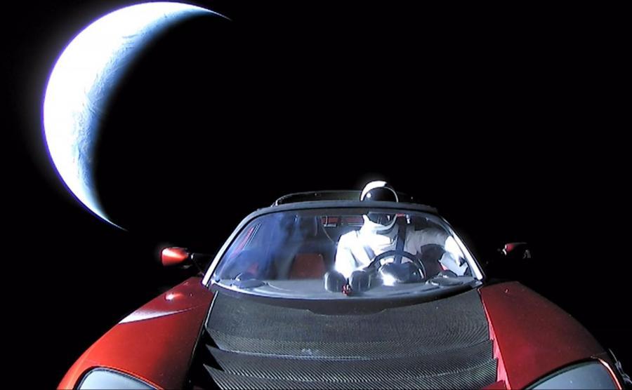 Tesla w kosmosie