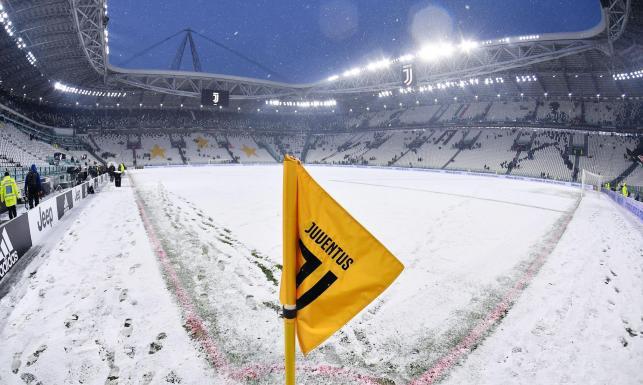 Liga włoska: W Turynie łatwiej było ulepić bałwana niż grać w piłkę. Mecz Juventusu przełożony