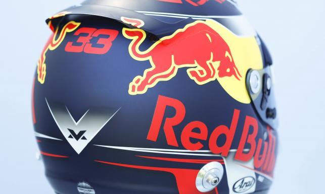 Kaski kierowców Formuły 1 to prawdziwe dzieła sztuki. Zobacz, w jakich będą jeździć w nowy sezonie