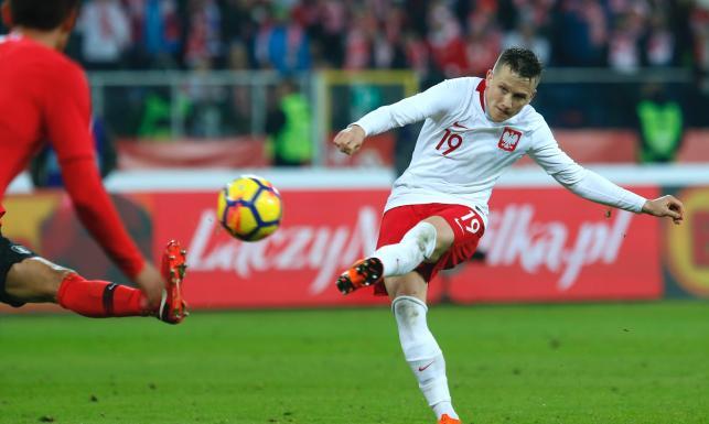 Horror na Stadionie Śląskim. W dwie minuty Polacy stracili dwa gole, ale skórę uratował im Zieliński