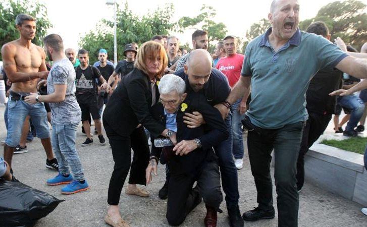 Janis Butaris powalony na ziemię / Al Jazeera