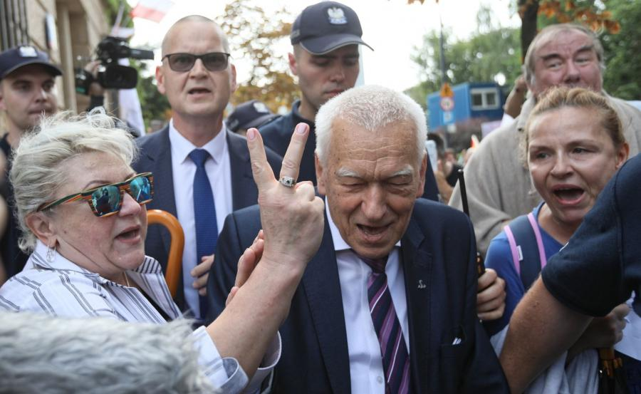 Kornel Morawiecki pod Sejmem