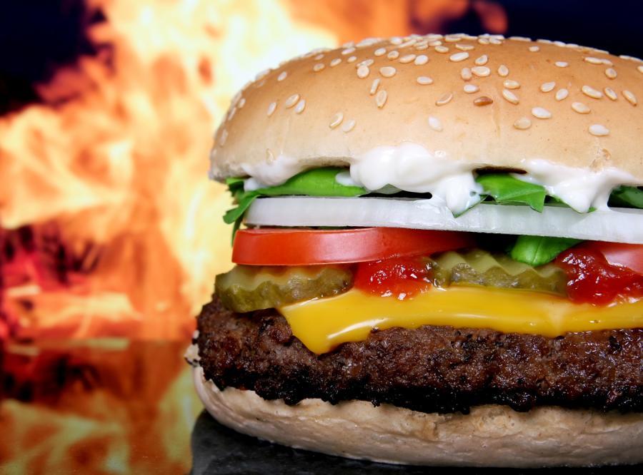 Sąsiedztwo fast-foodów sprzyja udarowi
