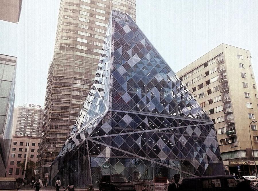 Niesamowita budowla w centrum Warszawy