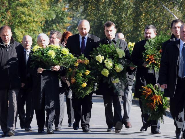 Prezes PiS uczcił ofiary katastrofy smoleńskiej