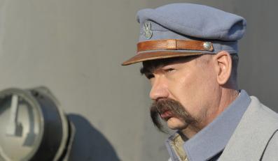 Mirosław Baka jako Piłsudski