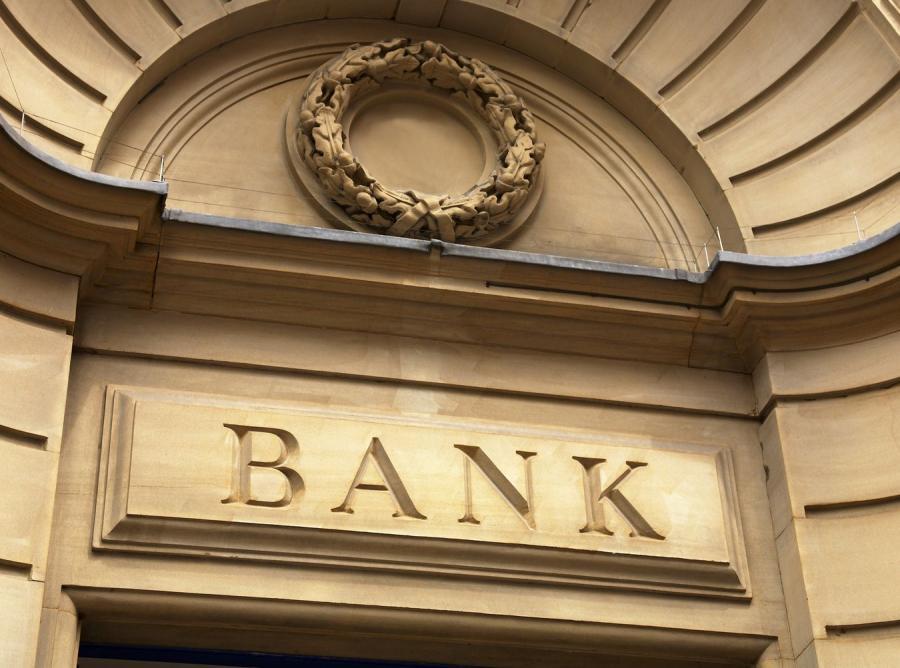 Rosyjskie finanse na dnie. Bank centralny ostrzega przed kryzysem