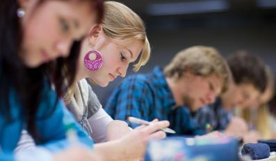 CKE podało wstępne wyniki matur w 2011 r.