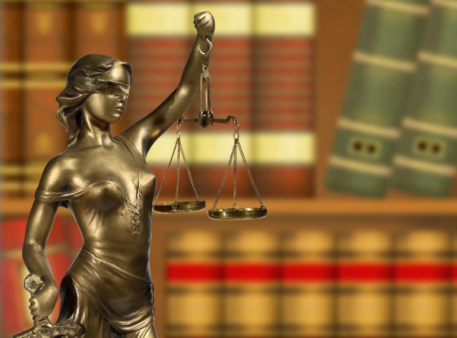 Harcmistrz oskarżony o kontakty seksualne z nieletnią