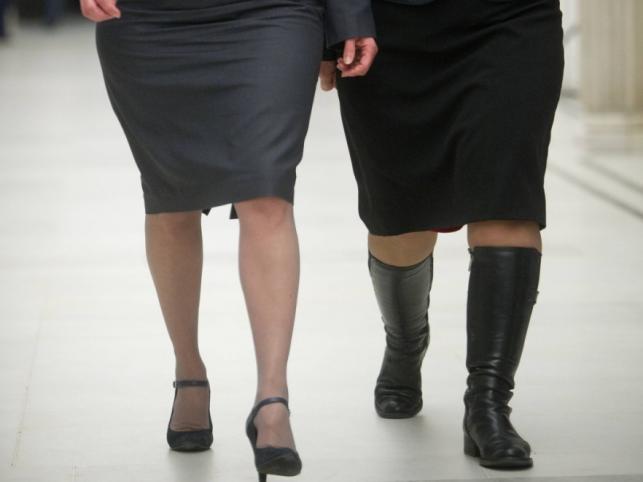 W polskim Sejmie nie brakuje kobiecych nóg, które można oglądać i oceniać