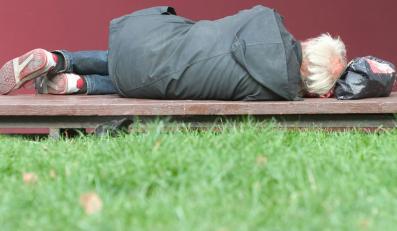 RPO: Trzeba uprościć bezdomnym dostęp do leczenia