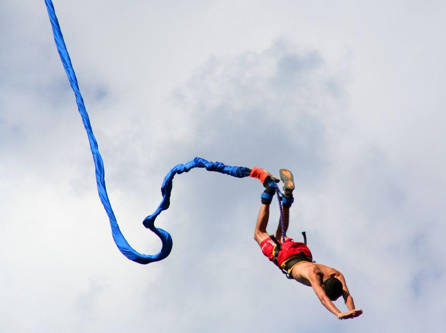 23-latek ciężko ranny po skoku na bungee