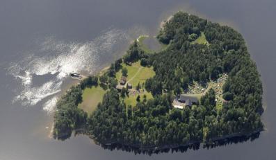 Na wyspie Utoya znaleziono bomby