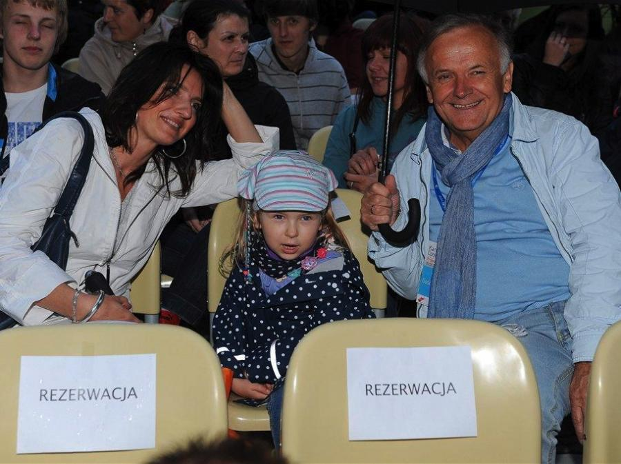 Tadeusz Mosz z rodziną na Karuzeli Cooltury