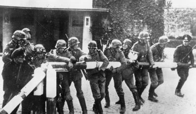 1 września 1939 - niemieckie wojska przekraczają granicę z Polską