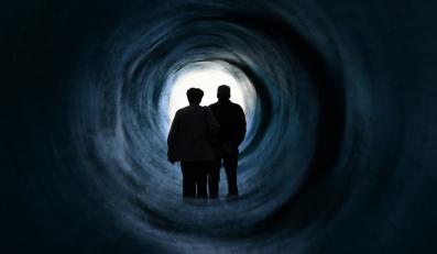 Dlaczego przed śmiercią widzimy tunel? Naukowcy już wiedzą