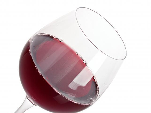 Alkohol dostarcza pustych kalorii