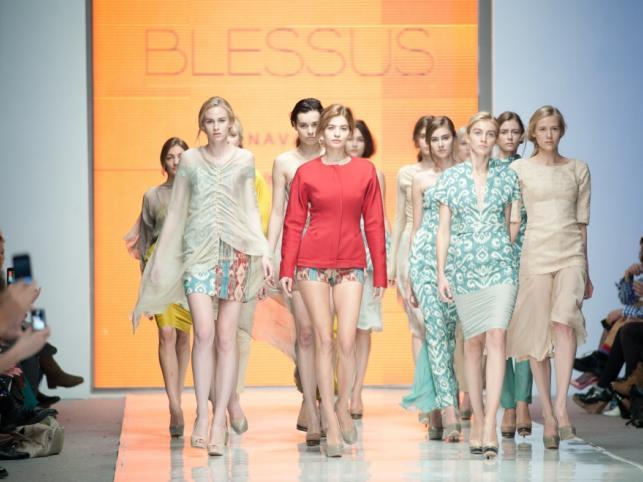 BLESSUS - pokaz kolekcji wiosna/lato 2012 na Fashion Week Poland Łódź.