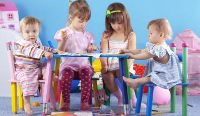 Dzieciaki w przedszkolu.
