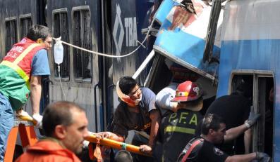 Do wypadku doszło na dworcu Once, gdy pełen pasażerów pociąg linii Sarmiento nie wyhamował i uderzył w bufory na końcu toru. Jechał z prędkością 20 km/godz.