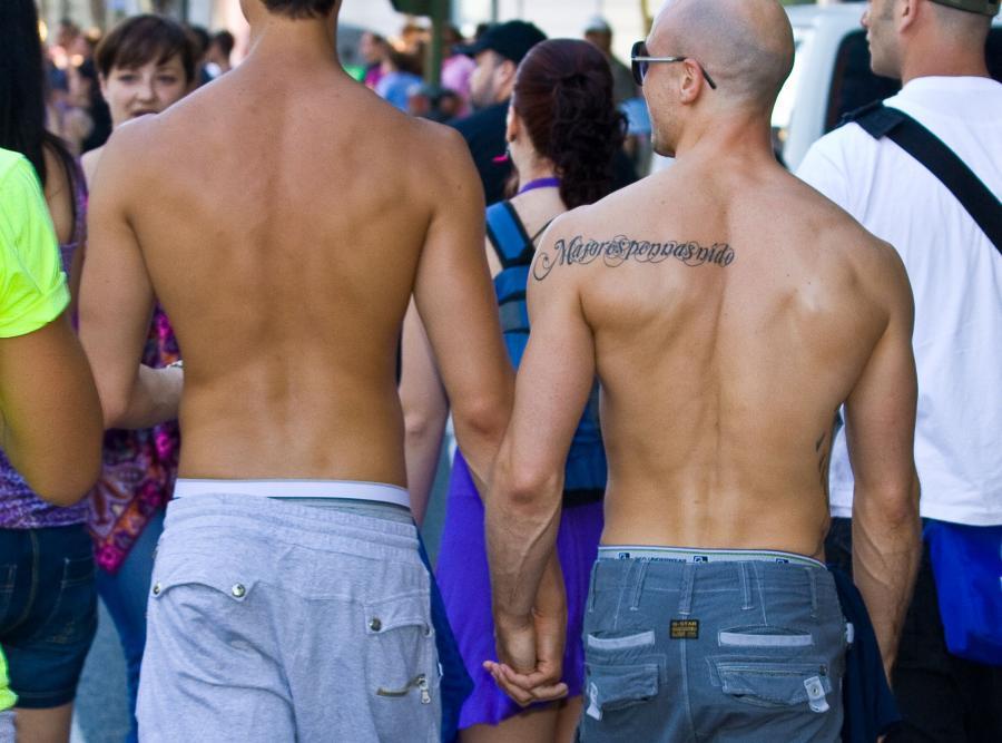 2 lata więziena za mowę nienawiści wobec gejów? To propozycja minister Tuska