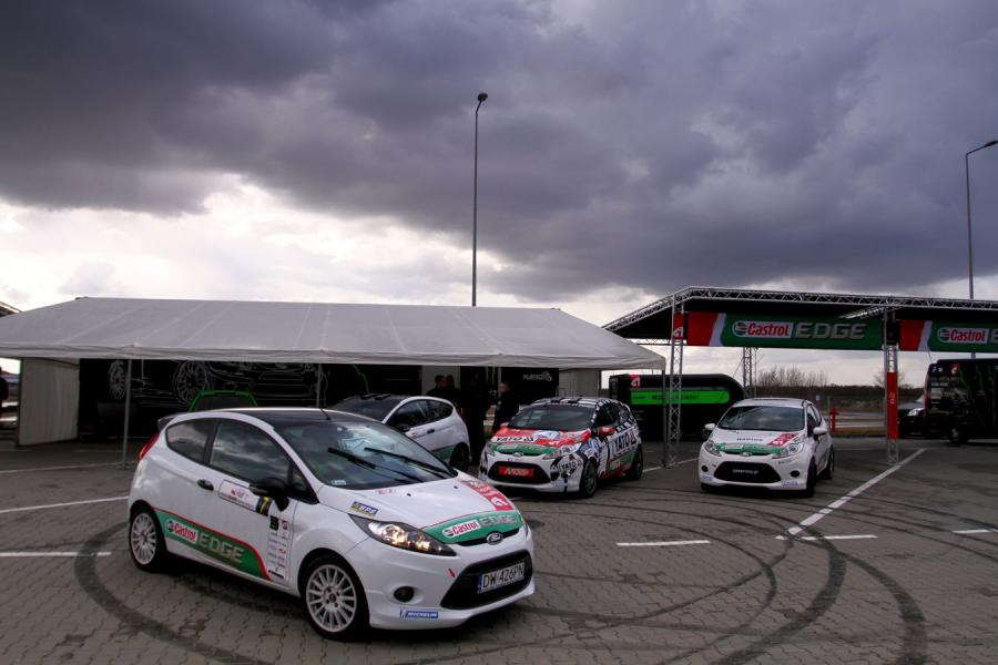 Samochody pucharu Castrol EDGE Fiesta Trophy