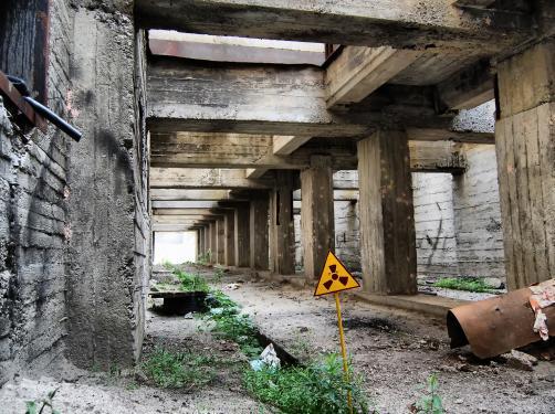 Możliwy jest wyciek promieniowania w Czarnobylu. Osłona nad zniszczonym reaktorem pęka...