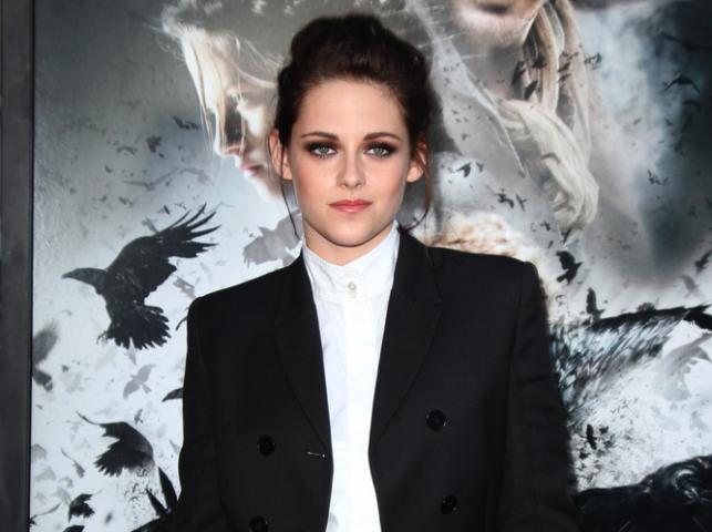 """Kristen Stewart na premierze filmu """"Królewna Śnieżka i łowca"""" w Los Angeles – 29 maja 2012"""