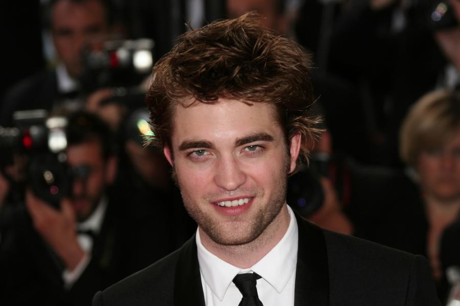 Robert Pattinson fotografuje nachalnych fanów