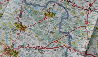 Polskie wydawnictwo oferuje mapę samochodową z granicami z 1939 roku