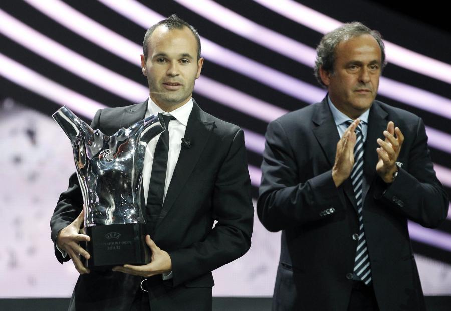 Andres Iniesta i Michel Platini