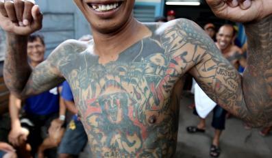 Tatuaże z więzienia na Filipinach